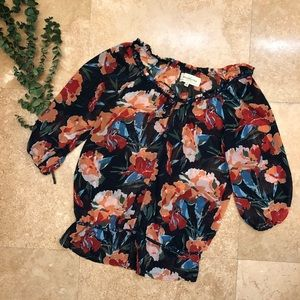 Abercrombie & Fitch Tops - Abercrombie & Fitch floral blouse Small